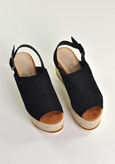 Sandały na koturnie i na platformie