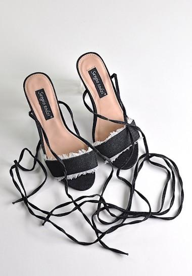 Sandały wiązane na przeźroczystym obcasie