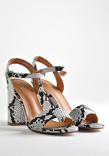 Eleganckie sandały damskie na słupku