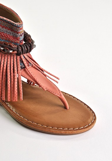 Modne sandały damskie boho