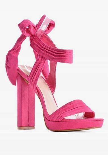 Wiązane sandały damskie na słupku