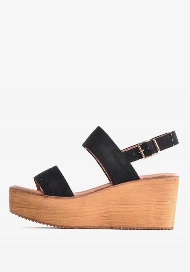 Czarne sandały na koturnie z zamszu