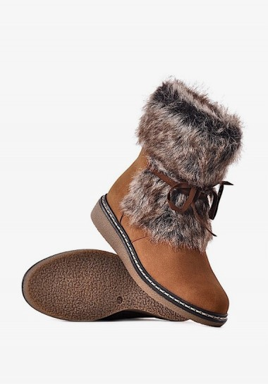 Zimowe buty damskie z futerkiem