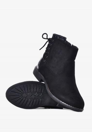 Czarne buty sztyblety