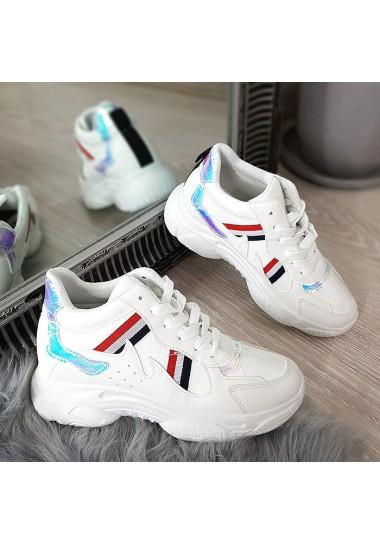 Białe sneakersy z kolorową wstawką