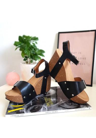 Czarna sandały na korkowym koturnie