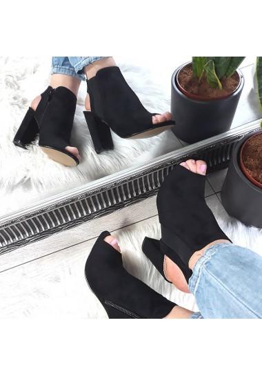 Zamszowe czarne kobiece sandałki na słupku