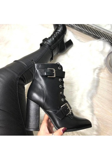 Czarne kobiece botki ze srebrnymi klamrami