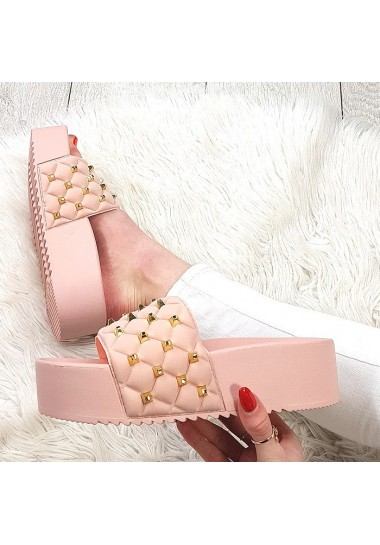 Różowe klapki na platformie złote ćwieki
