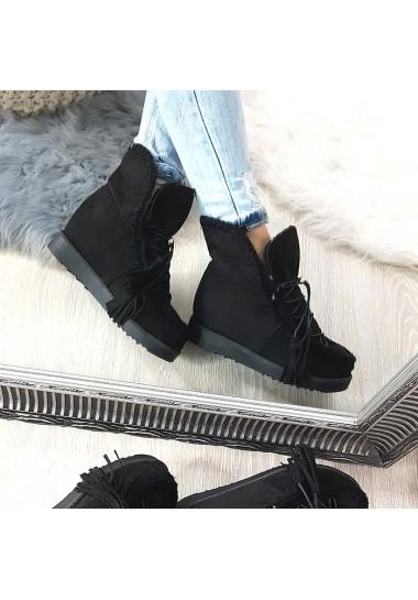 Wciągane czarne botki na ukrytej platformie