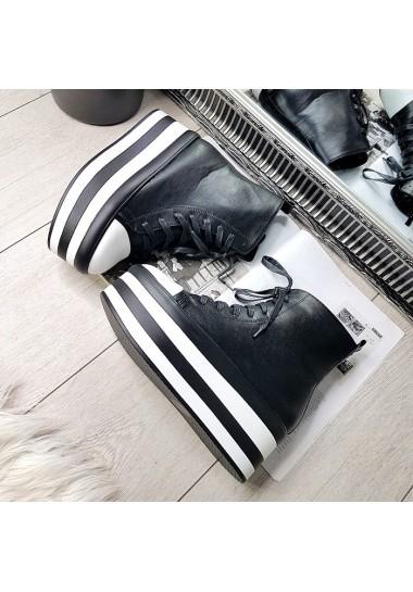 Czarne wysokie trampki z białym noskiem