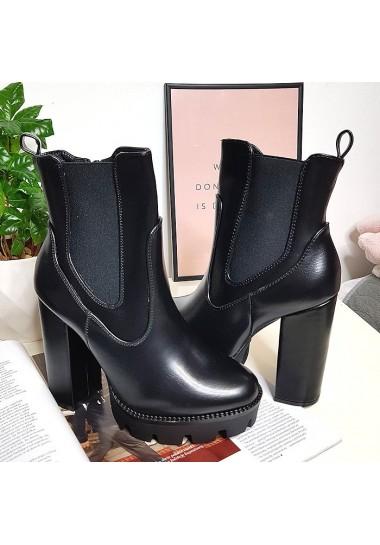 Czarne botki na słupku szerokie gumy